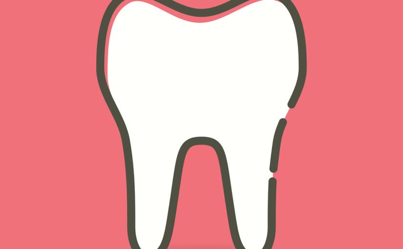 Ładne zdrowe zęby także olśniewający prześliczny uśmiech to powód do dumy.